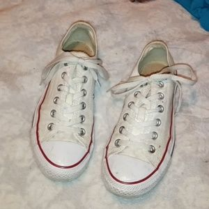 White converse 💮